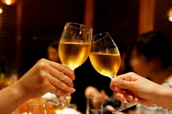 【お酒の効果】アルコールの勃起をサポートする役割